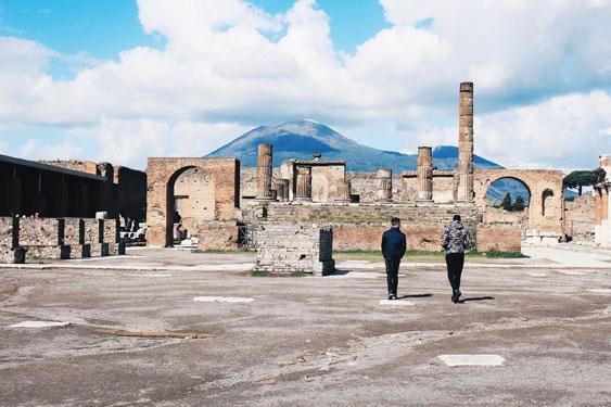 pompeii tro lai tu bong toi