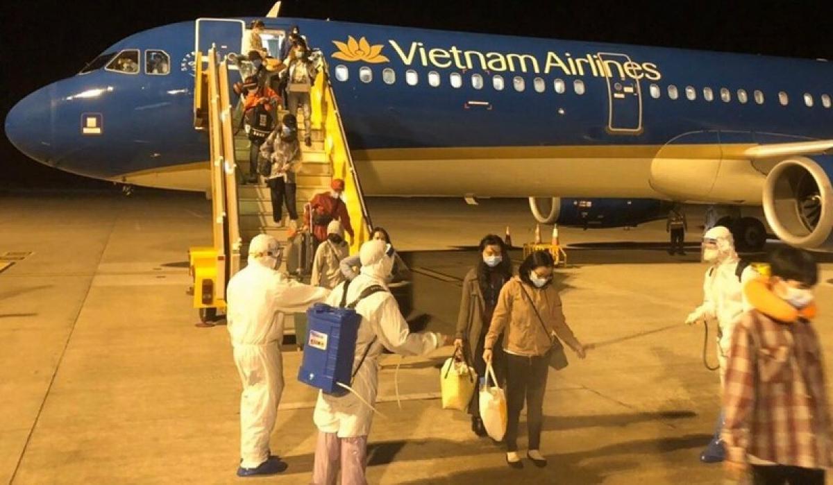 Cục Hàng không Việt Nam báo cáo Bộ GTVT và kiến nghị kế hoạch triển khai các chuyến bay quốc tế thường lệ có chở khách vào Việt Nam gồm 3 giai đoạn.