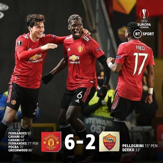 """M.U 6-2 Roma: """"Quỷ đỏ"""" đặt một chân vào trận chung kết"""