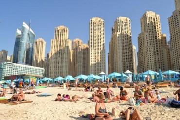 Trải nghiệm khác biệt: Đến sa mạc tắm biển!