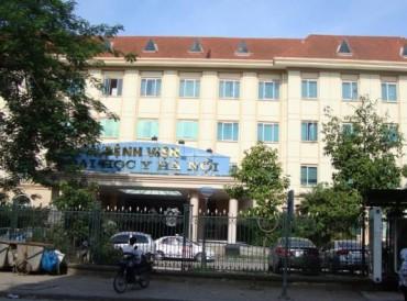 Hàng chục côn đồ mang mã tấu vào Bệnh viện Đại học Y chém người