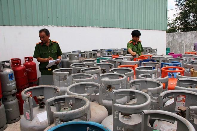 Phát hiện 6.000 vỏ bình gas tái chế lại, không đảm bảo an toàn