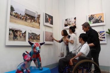 Cuộc sống Việt Nam từ năm 2005-2017 qua con mắt nhiếp ảnh gia Thụy Sĩ