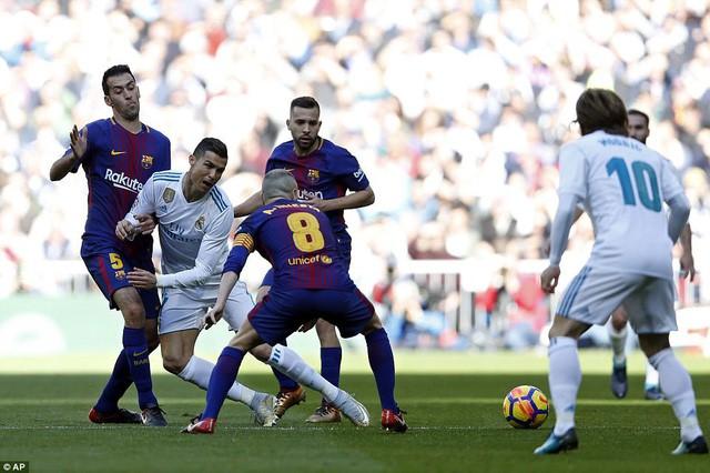 Barcelona-Real Madrid: Chiến đấu vì niềm kiêu hãnh