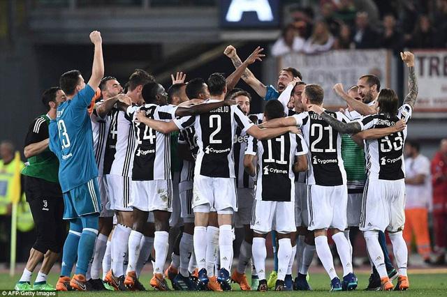 'Bà đầm già' quá mạnh hay Serie A đang tụt dốc?