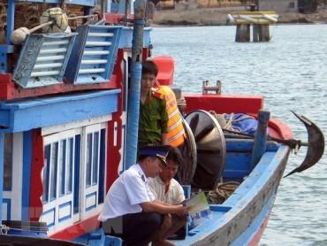 Phân bổ 200 thiết bị giám sát để ngăn đánh cá bất hợp pháp