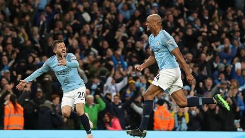 Man City 1-0 Leicester: Kompany lập siêu phẩm giúp
