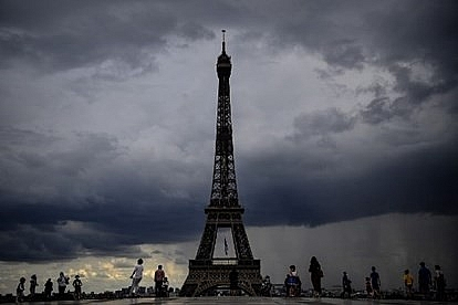 Pháp phát hiện ổ dịch mới đáng lo ngại trước vài giờ dỡ phong tỏa