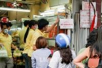Chật vật vì dịch COVID-19, làm gì để vực dậy ngành ẩm thực?