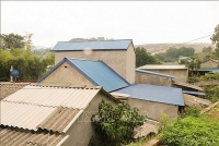 Tuyệt chiêu hạ nhiệt nhà mái tôn những ngày hè nóng bức