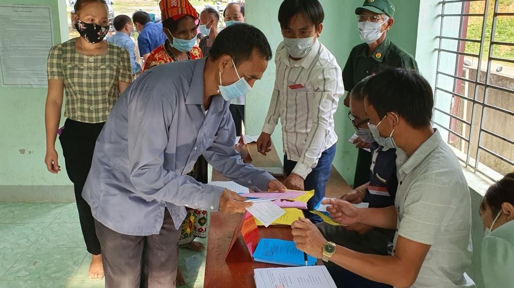 Với đồng bào Đan Lai ở bản tái định cư Thạch Sơn, xã Thạch Ngàn, huyện Con Cuông đi bầu cử là trách nhiệm và nghĩa vụ thiêng liêng của mỗi người.