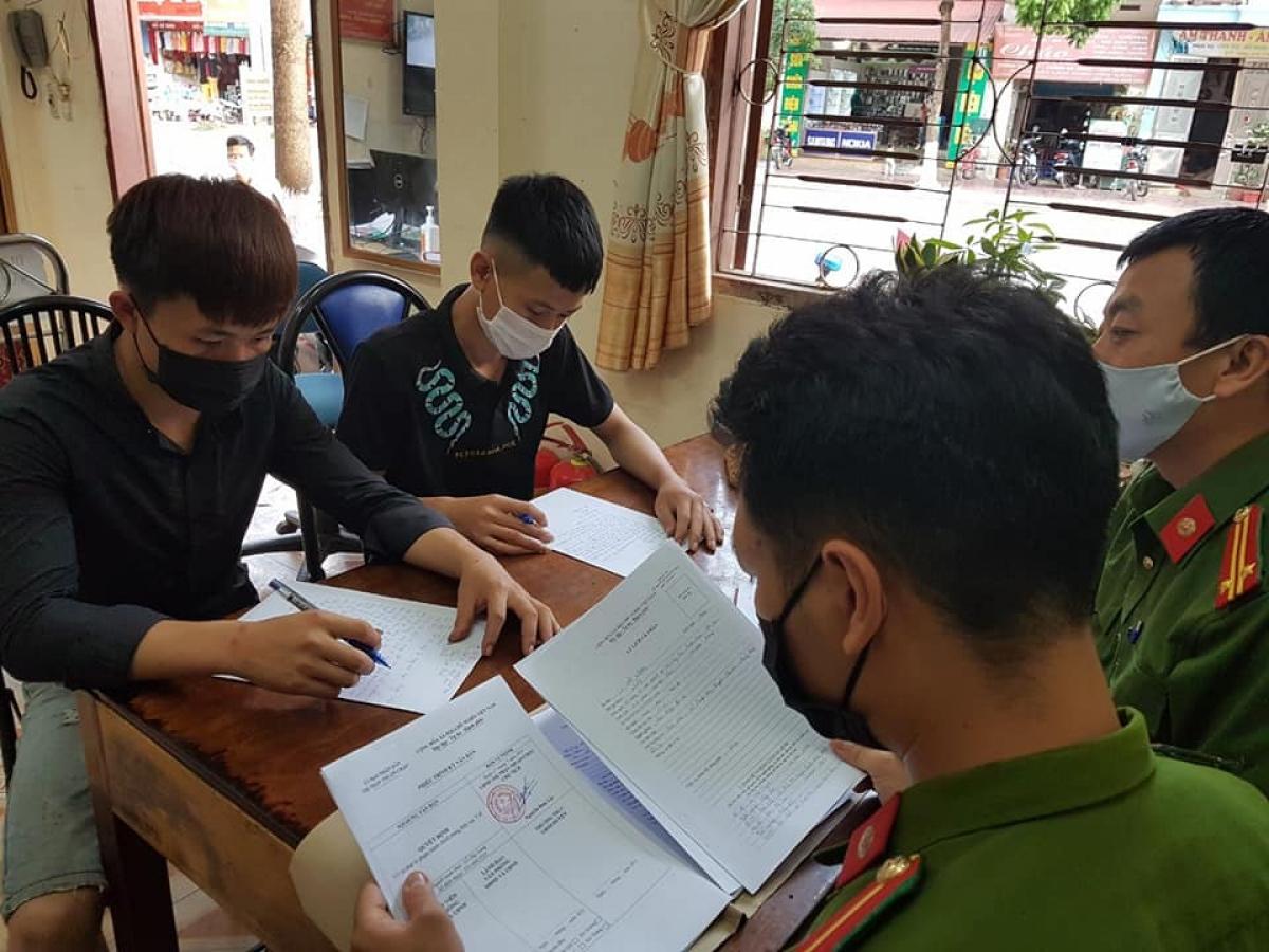 Xử phạt 2 trường hợp đột nhập khu cách ly ở Sơn La để gặp bạn gái
