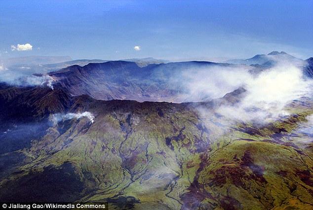 Chuyện gì sẽ xảy nếu 1.500 núi lửa cùng lúc phun trào?