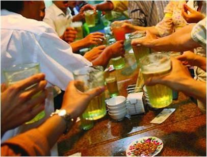 Hệ lụy nguy hiểm cho gan vì bia rượu, thực phẩm bẩn