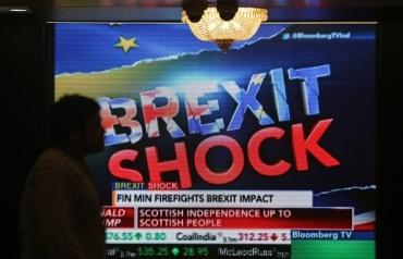 EU bàng hoàng trong cú địa chấn lớn nhất lịch sử 59 năm