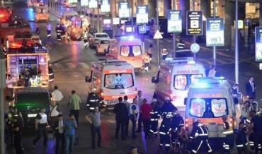Sân bay Thổ Nhĩ Kỳ hỗn loạn sau vụ đánh bom tự sát