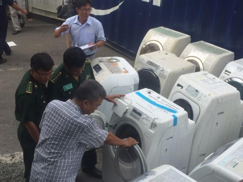 Phát hiện nhiều lô hàng cấm nhập về Việt Nam