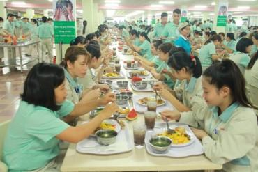 Ghi nhận từ một bữa ăn ca  của công nhân