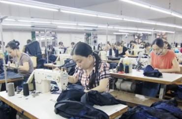 Tỷ lệ thất nghiệp của phụ nữ tiếp tục cao hơn  nam giới