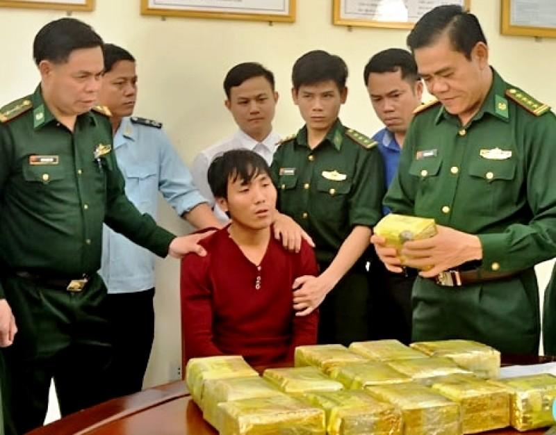 Quyết liệt đấu tranh với tội phạm ma túy