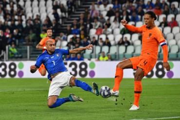Ý 1-1 Hà Lan: Bất phân thắng bại