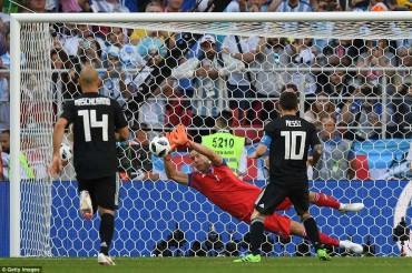 Argentina 1-1 Iceland: C.Ronaldo 'gọi' nhưng L.Messi không trả lời