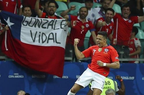 Chile 2-1 Ecuador: Sanchez tiếp tục