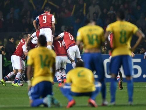 Brazil - Paraguay: Tưởng dễ mà khó