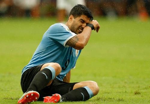 Tội đồ Suarez khiến đội nhà dừng bước ở tứ kết Copa America