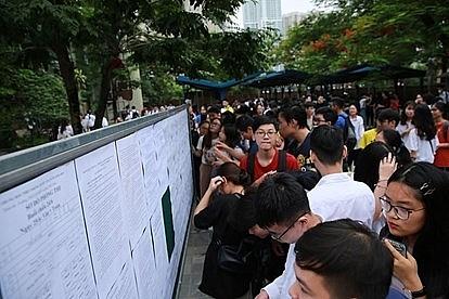 Điểm chuẩn thi lớp 10 các trường hot Hà Nội thay đổi ra sao trong 3 năm?