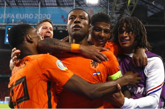 Hà Lan - Áo: Cơn lốc cam cuốn phăng đối thủ