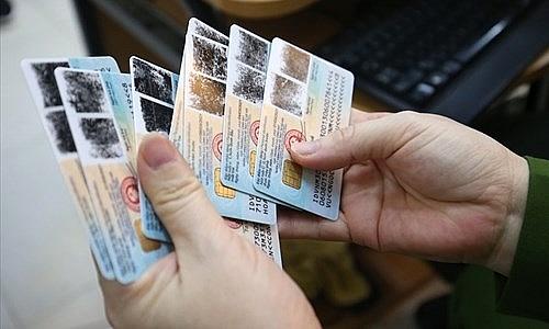 Bị chậm trả thẻ CCCD gắn chíp, dùng giấy tờ khác giao dịch được không?
