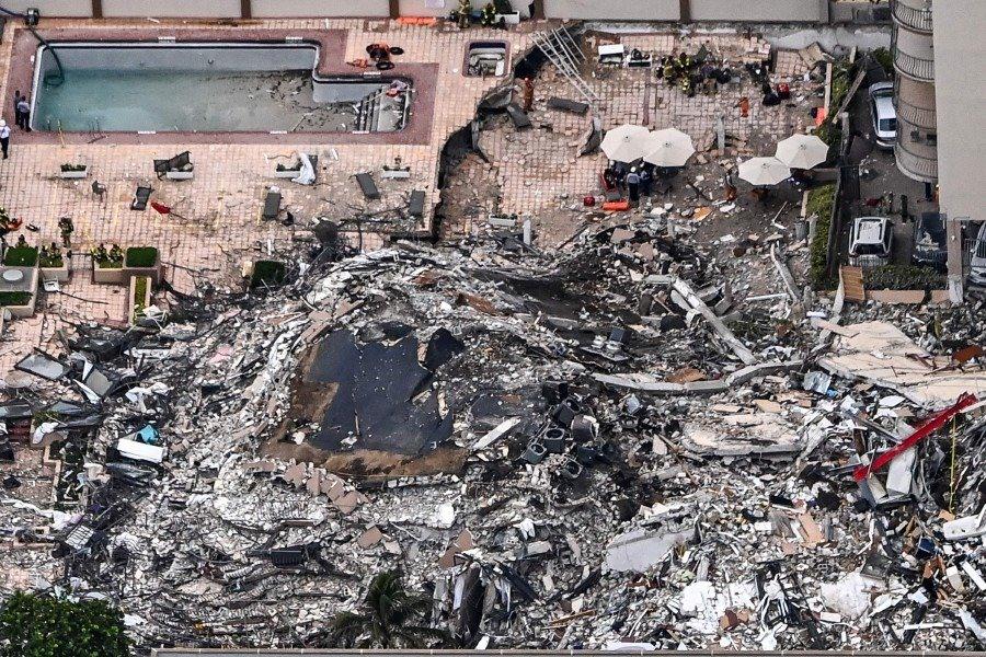Điều kiện thời tiết, sai sót trong thiết kế hay kết cấu địa hình khu vực đều có thể là những yếu tố khiến thảm kịch xảy ra.