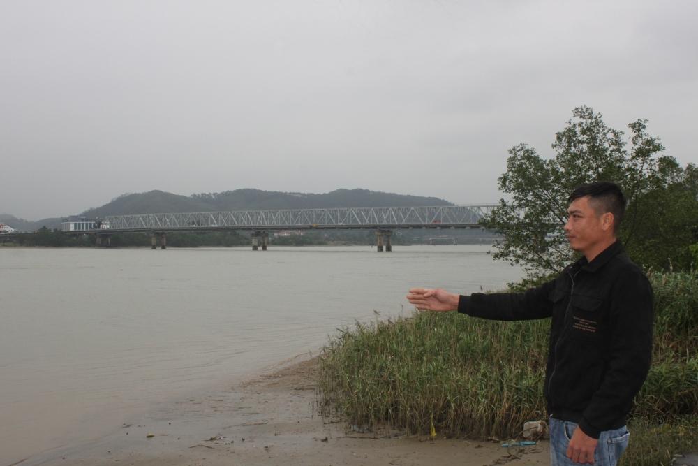 Khúc sông sát chân cầu Bến Thủy là chỗ mưu sinh cũng là nơi Đậu Văn Toàn xả thân vì việc nghĩa