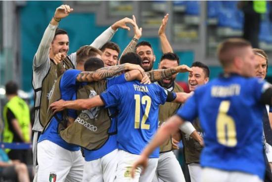 Italia - Áo: Khó cản Azzurri