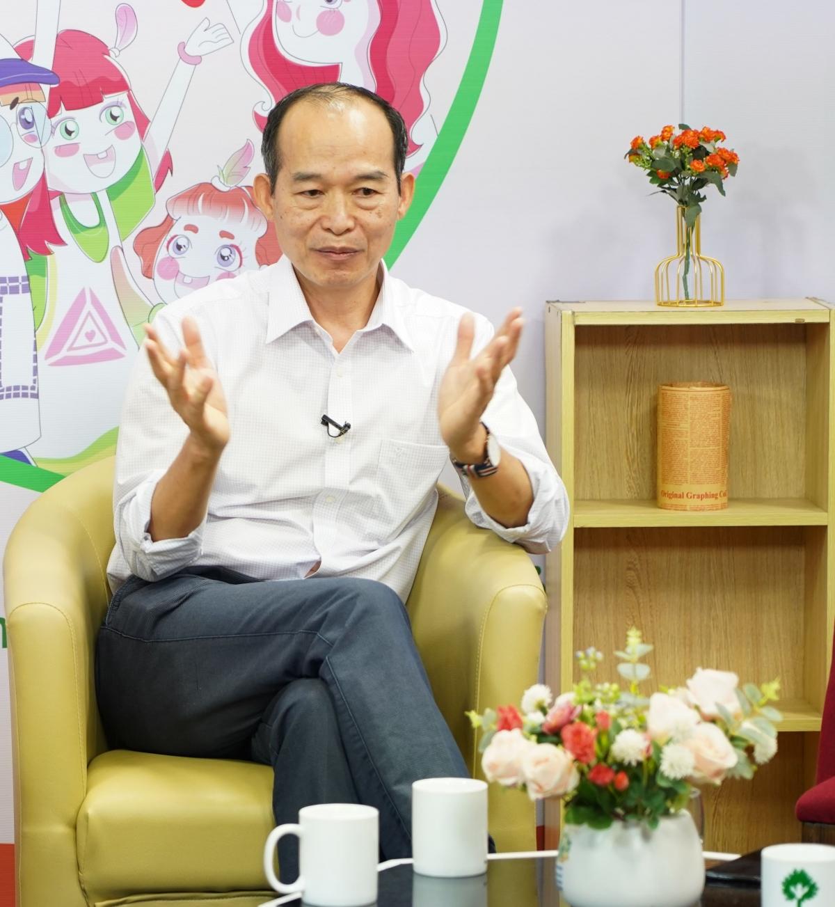 PGS.TS Lê Văn Hảo- chuyên gia tâm lý cho rằng cha mẹ cần hiểu con mới có thể hỗ trợ được cho con.