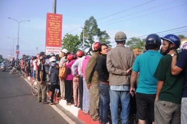 Thảm sát ở Bình Phước: Nghìn người tiễn 6 nạn nhân