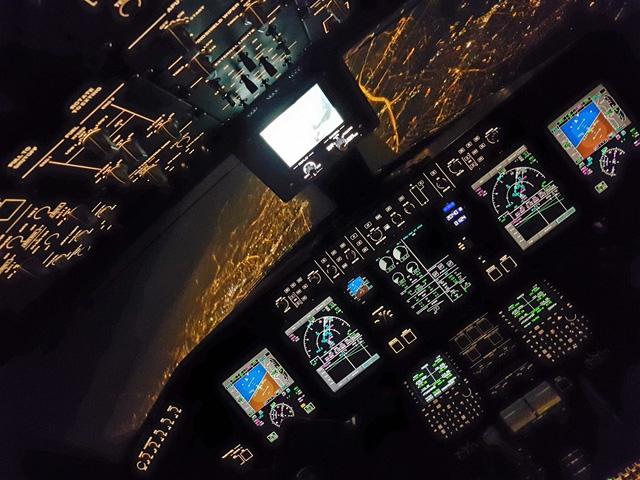 'Đẹp ngạt thở' ảnh chụp từ buồng lái phi công
