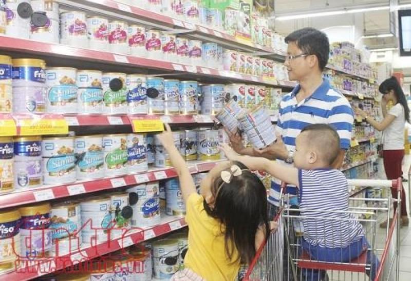Từ ngày 10/8: Doanh nghiệp tăng giá sữa phải báo trước cho nhà quản lý
