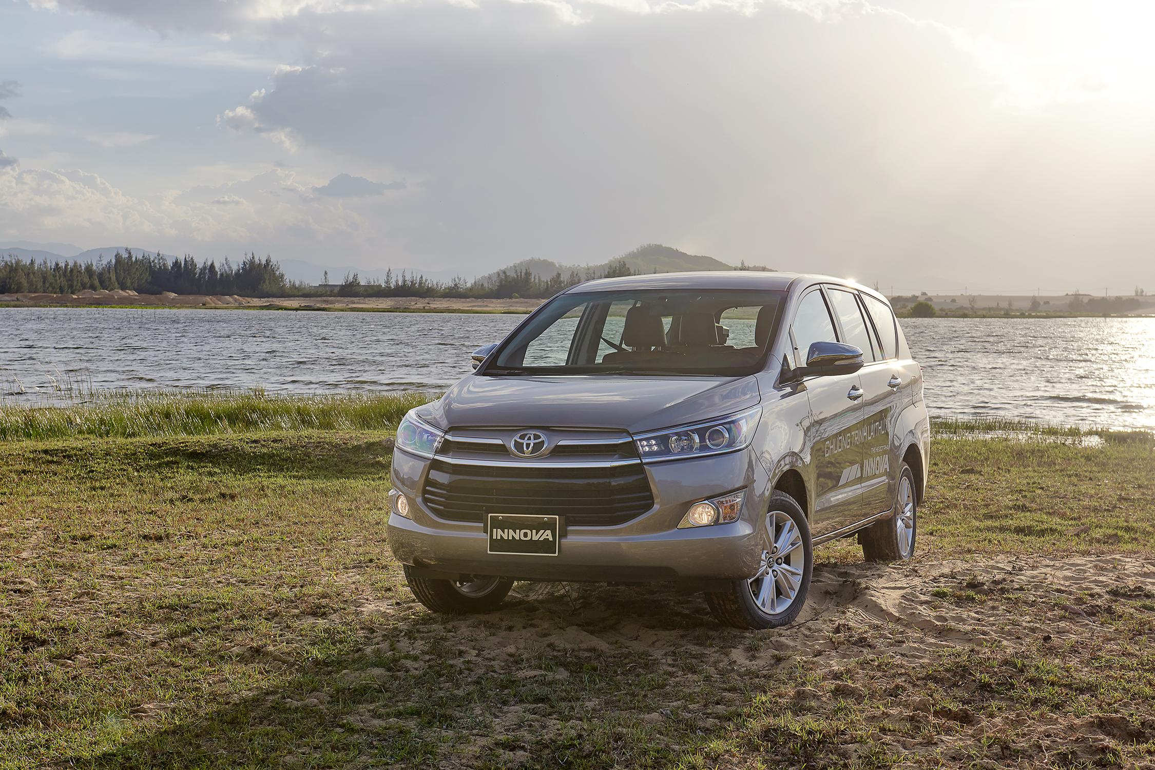 Các mẫu ô tô giảm giá 'hấp dẫn' đến hết tháng 8