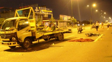 Đôi nam nữ tử vong vì chạy ngược chiều trên đại lộ