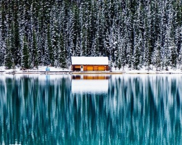 Ảnh đẹp trong tuần: Tuyệt đẹp hồ băng Louise trong tuyết ở Canada
