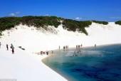 Tuyệt vời những hồ bơi tự nhiên ẩn mình trong cát trắng