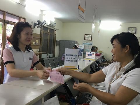 Bưu điện chuyển phát hồ sơ và lệ phí xét tuyển đại học, cao đẳng, trung cấp