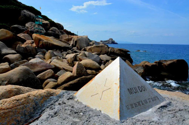 Chinh phục nơi đón ánh bình minh đầu tiên ở Việt Nam