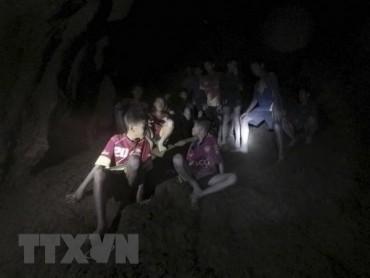 Bắt đầu chiến dịch giải cứu đội bóng thiếu niên Thái Lan