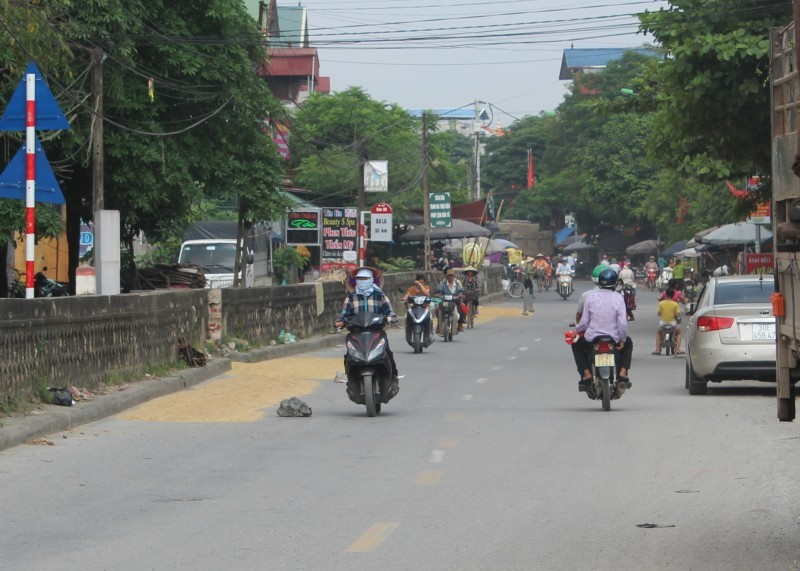 Xử nghiêm vi phạm trên trục giao thông cửa ngõ Thủ đô