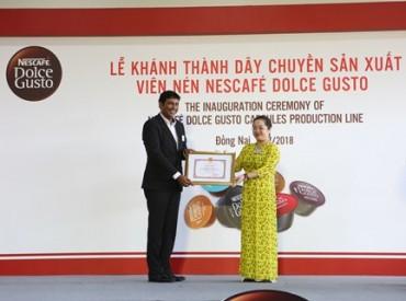 Nestlé Việt Nam nhận bằng khen vì thành tích xuất sắc trong kinh doanh và đóng góp ngân sách