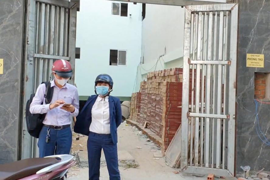 Lối vào căn hộ mini ở ngã tư Hương Lộ 2 - Tây Lân (phường Bình Trị Đông A, quận Bình Tân, TPHCM). Ảnh: Hữu Huy