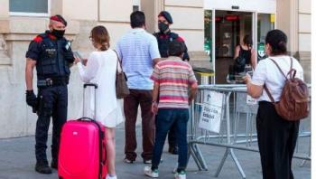 Nhiều nước châu Âu tái phong toả địa phương khi dịch bùng phát trở lại